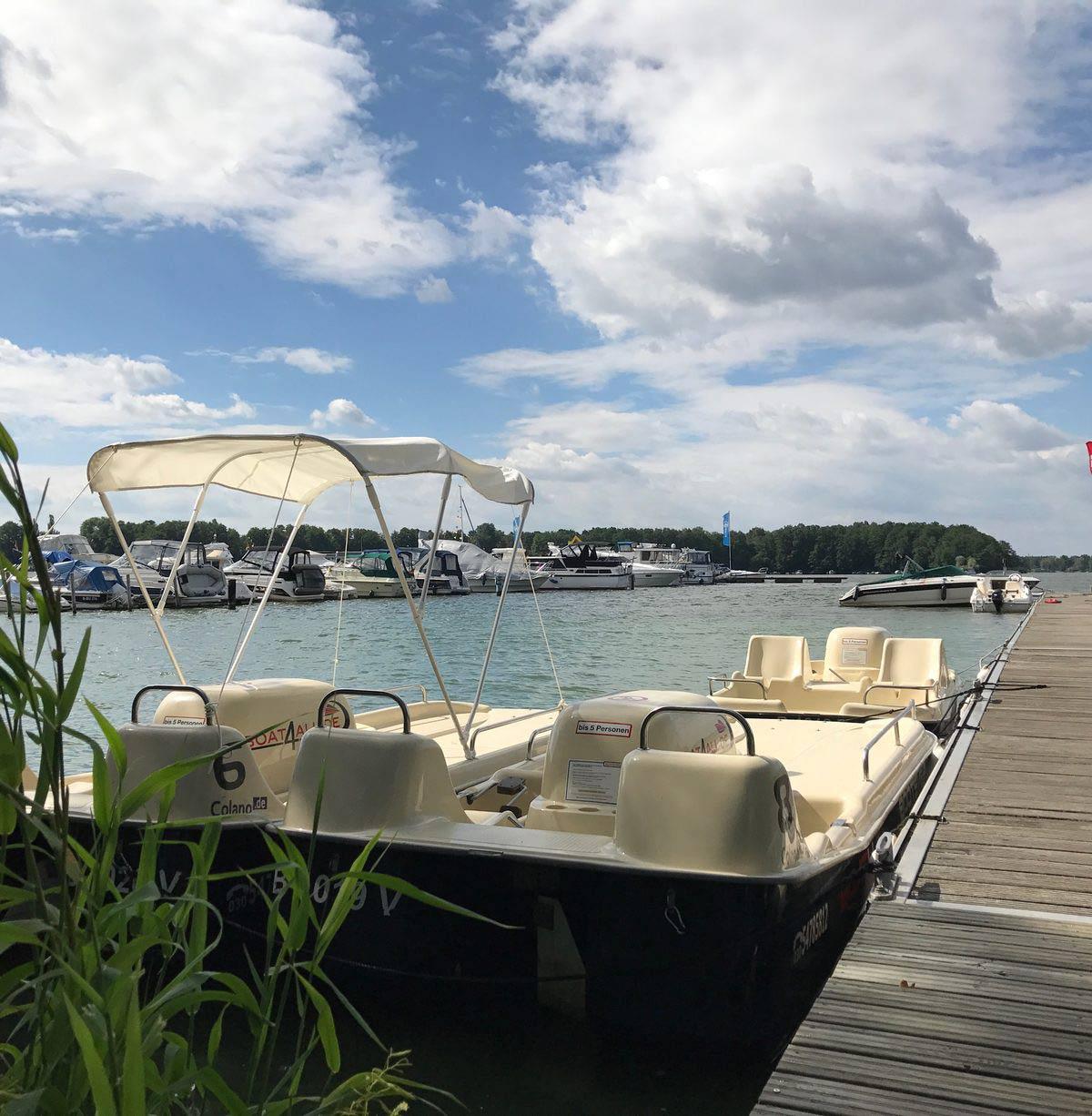 Colano XL Boot von Boat4All Berlin mit Blick auf den Krossinsee