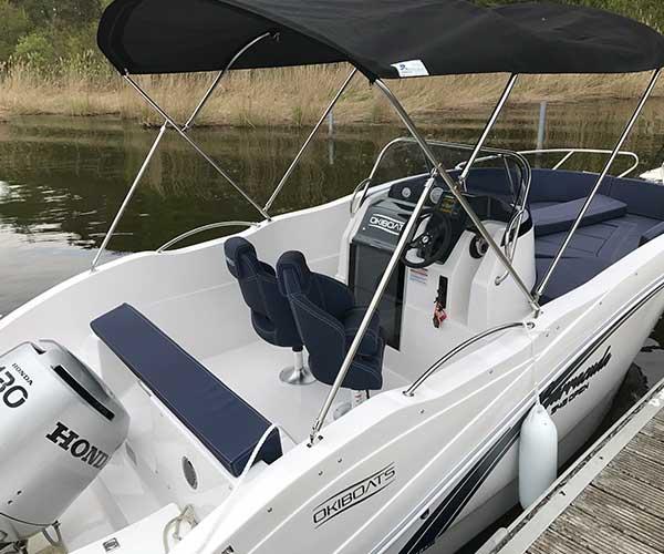 Barracuda Boot von Boat4All Berlin Innenansicht 2