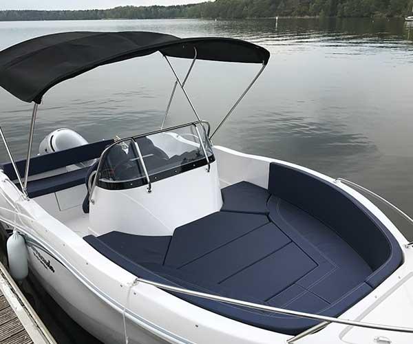 Barracuda Boot von Boat4All Berlin Innenansicht