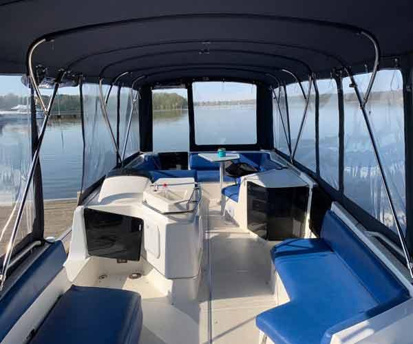 Bayliner Boot von Boat4All Berlin Innenansicht