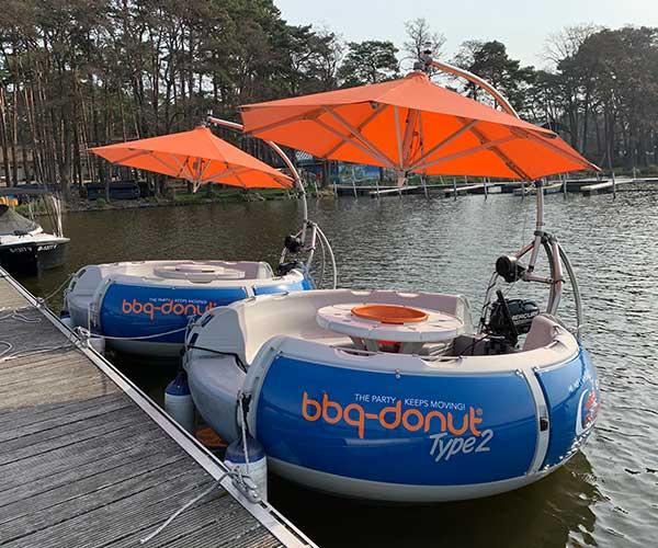 BBQ Donut Boot von Boat4All Berlin Frontansicht