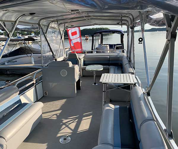 Breezy Bay Boot von Boat4All Berlin Innenansicht 3