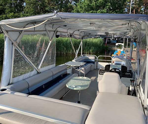 Breezy Bay Boot von Boat4All Berlin Innenansicht