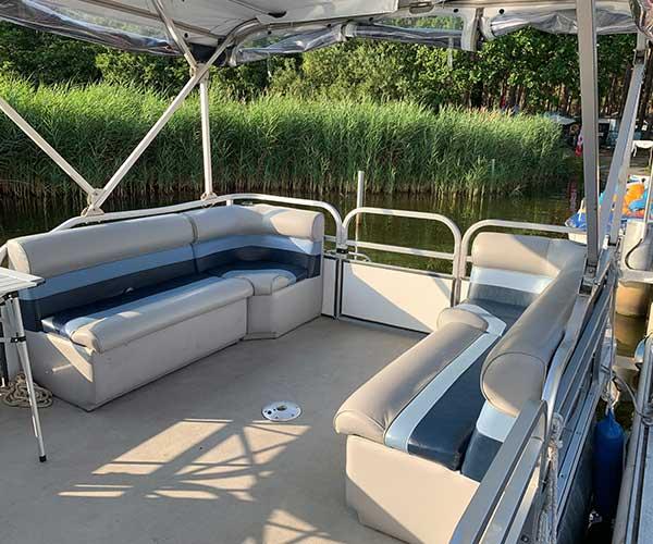 Breezy Bay Boot von Boat4All Berlin Innenansicht 2