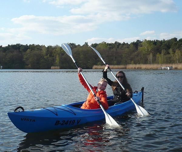 2er Kajak von Boat4All Berlin in Action auf dem Krossinsee
