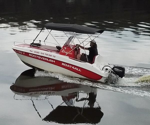 Open450 Boot von Boat4All Berlin auf dem Krossinsee in Action
