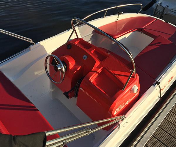 Open450 Boot von Boat4All Berlin Innenansicht