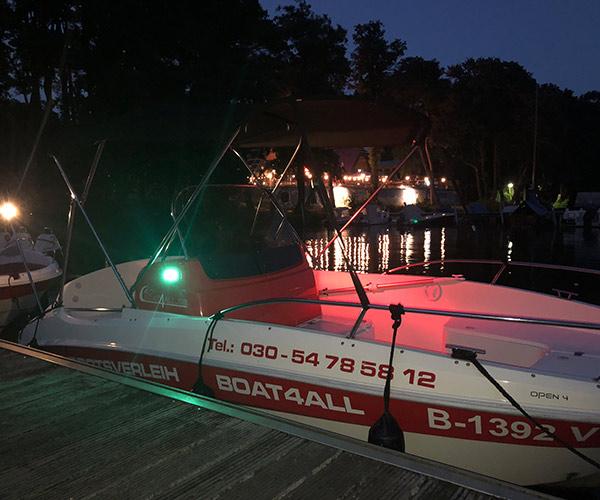 Open450 Boot von Boat4All Berlin Seitenansicht