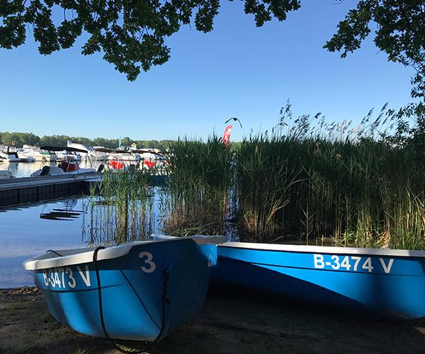 Ruderboot von Boat4All Berlin Frontansicht