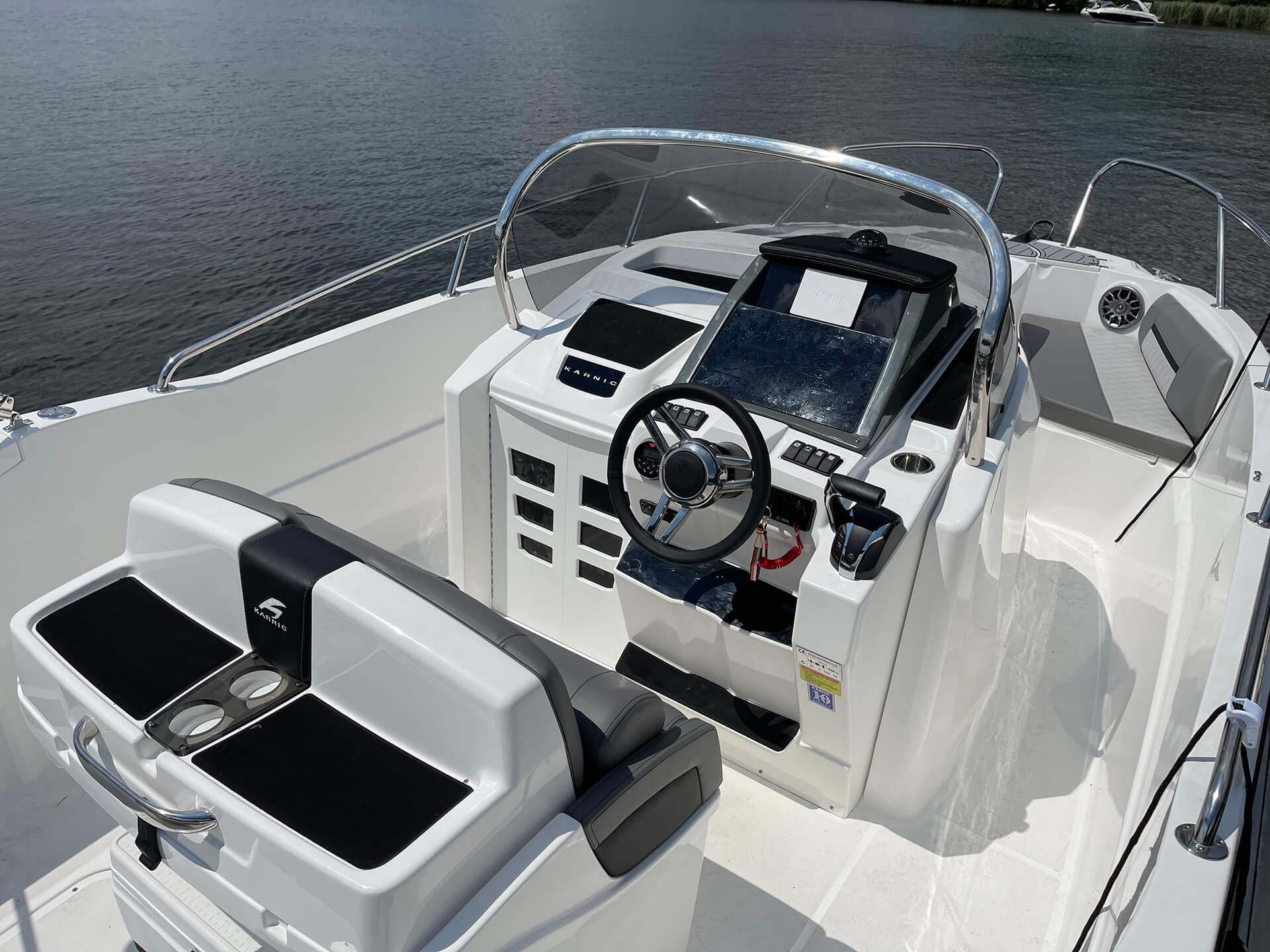 Karnic SL 601 Boot des Bootsverleih Boat4All Berlin