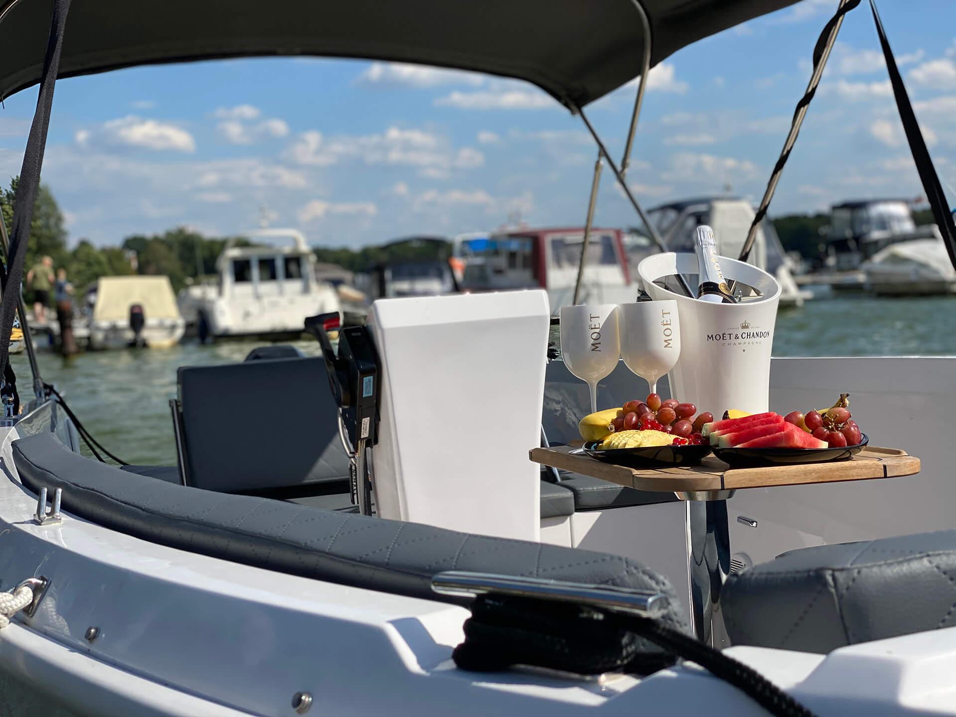 Namare 560 Boot vom Bootsverleih Boat4All Berlin
